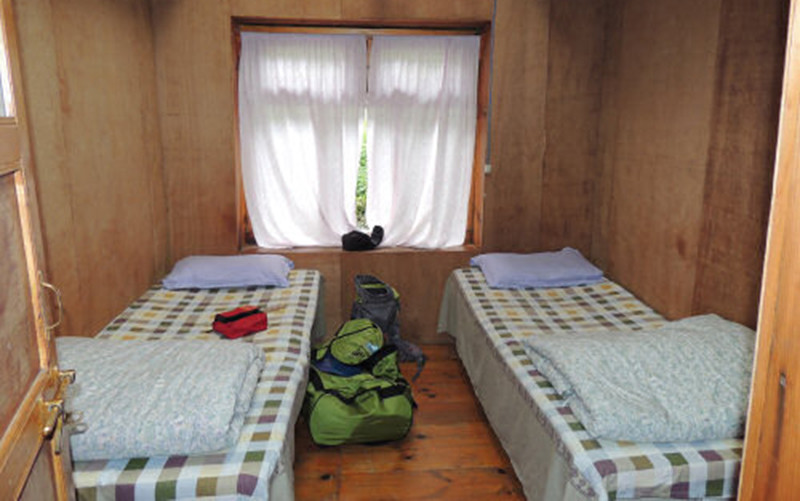 EBC trail teahouses shared bedroom