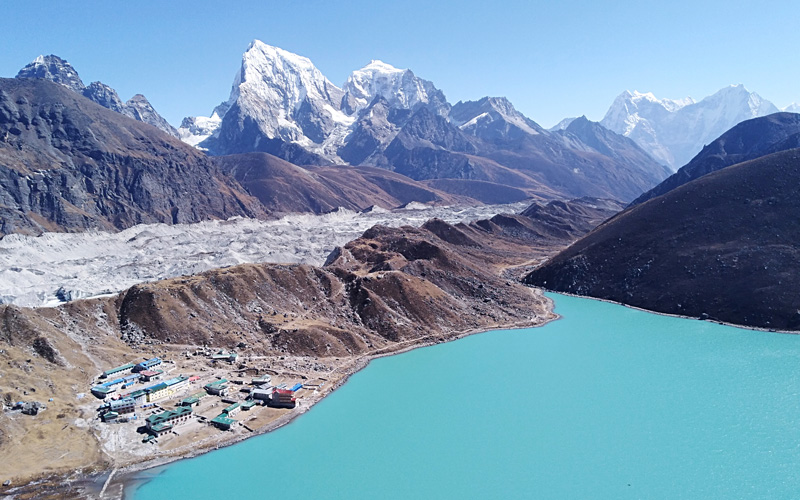 A view of Gokyo Valley